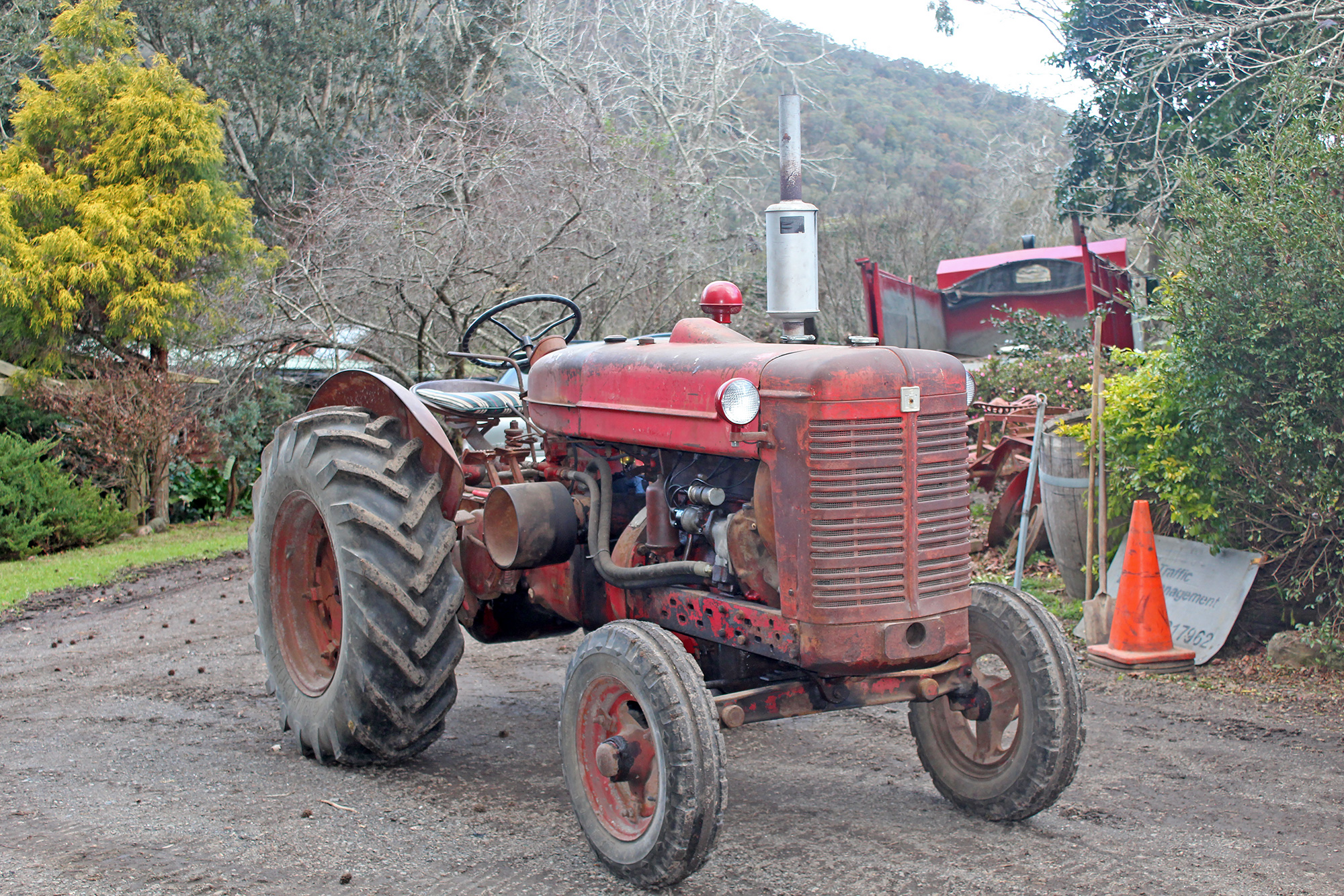 International 574 Tractor Seat : Tractors for sale